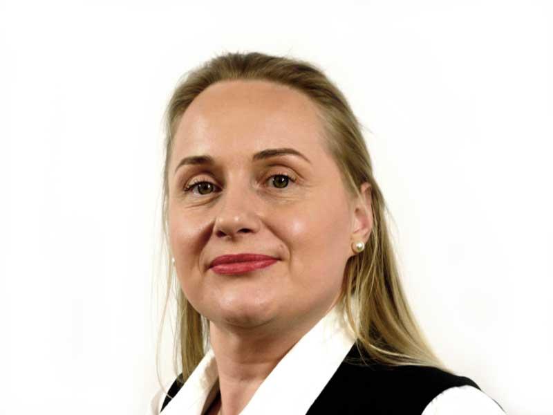 Porträt, Svetlana Tangarajah, Backoffice, Migrant Expert